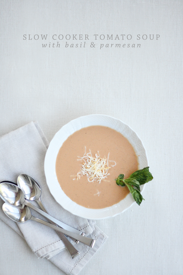 Slow Cooker Tomato Soup | Ashlee Proffitt  | Recipe via Creme de la Crumb