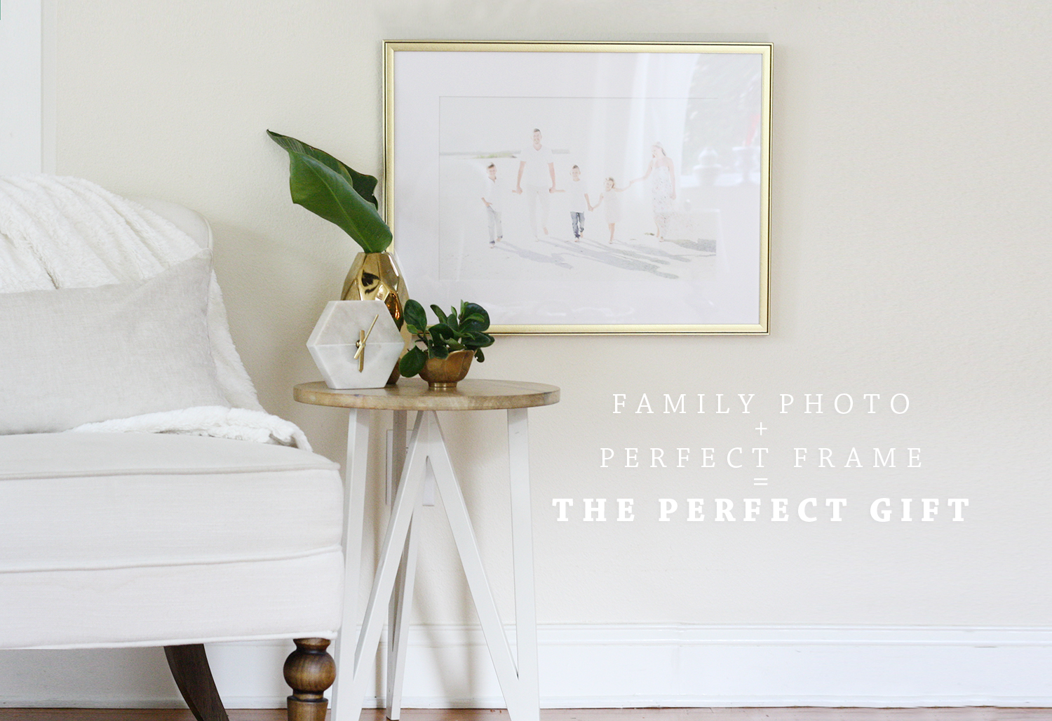 Framebridge Gold Frame + Family Photo + The Perfect Gift